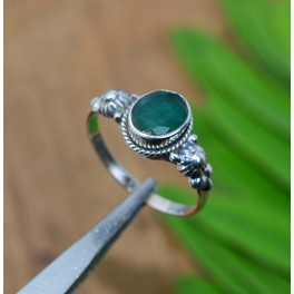 925 SOLID STERLING SILVER FACETED GREEN EMERALD RING